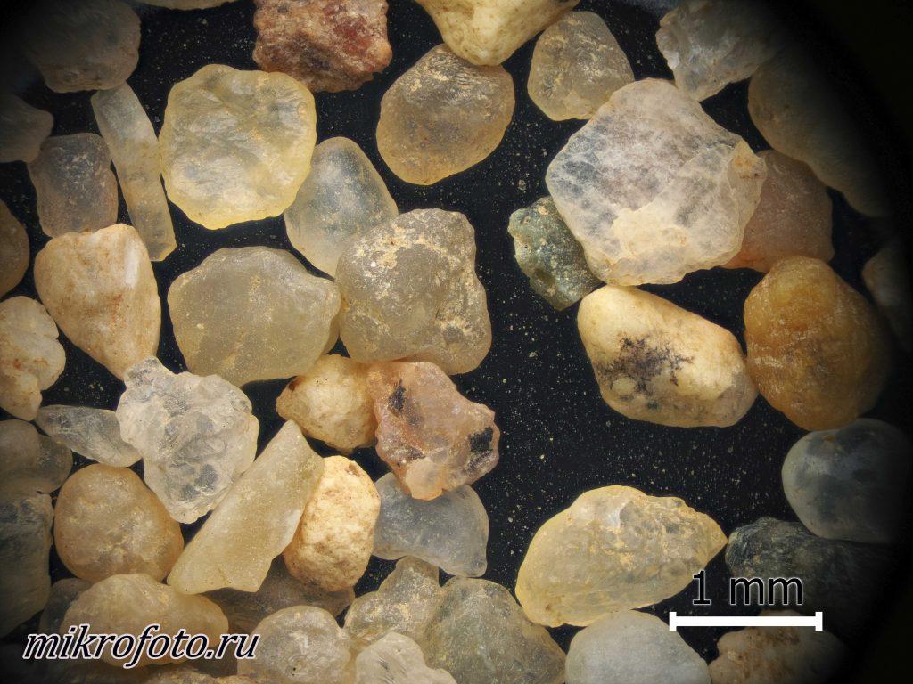 Макросъемка. Песок фракционный, мытый, тонкий, 0,5-1,0 мм.